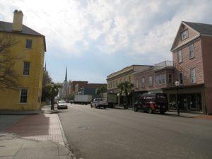 閑散としたチャールストンの街並み