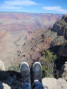 グランドキャニオンと自分の足